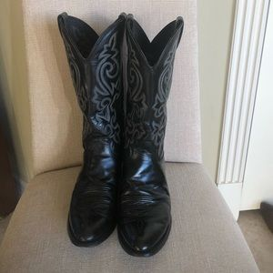 Justin black boots size 9
